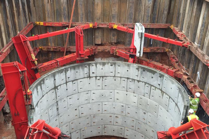 Sheet piling for vertical shaft excavation
